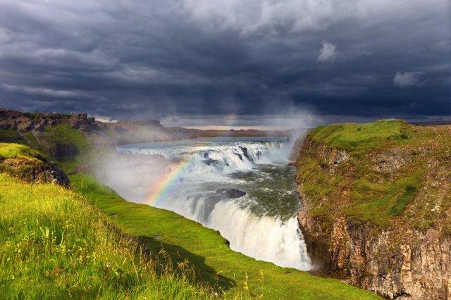 Arcoíris en la cascada de Gullfoss, Islandia