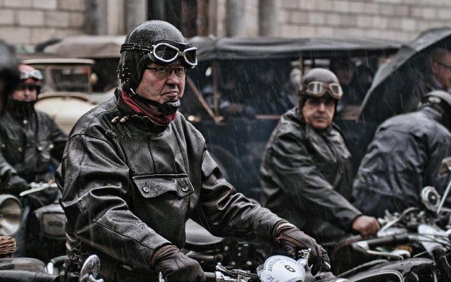 La gente de las motos antiguas