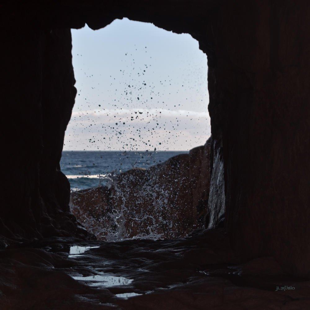 A través de la piedra (Jose Luis Rubio Perez)