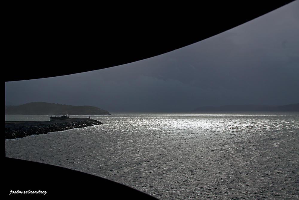 A través de la ventana (José-María Suárez Domingo)