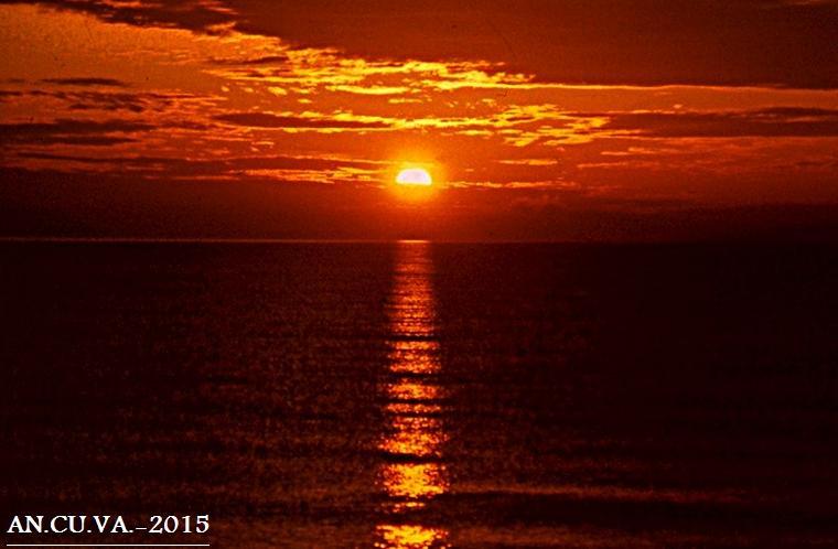 amanece junto al mar. (Antonio Cuenca.   vaya)