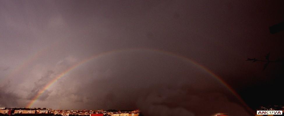 arcoiris doble. (Antonio Cuenca.   vaya)