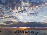 Barcas y Nubes