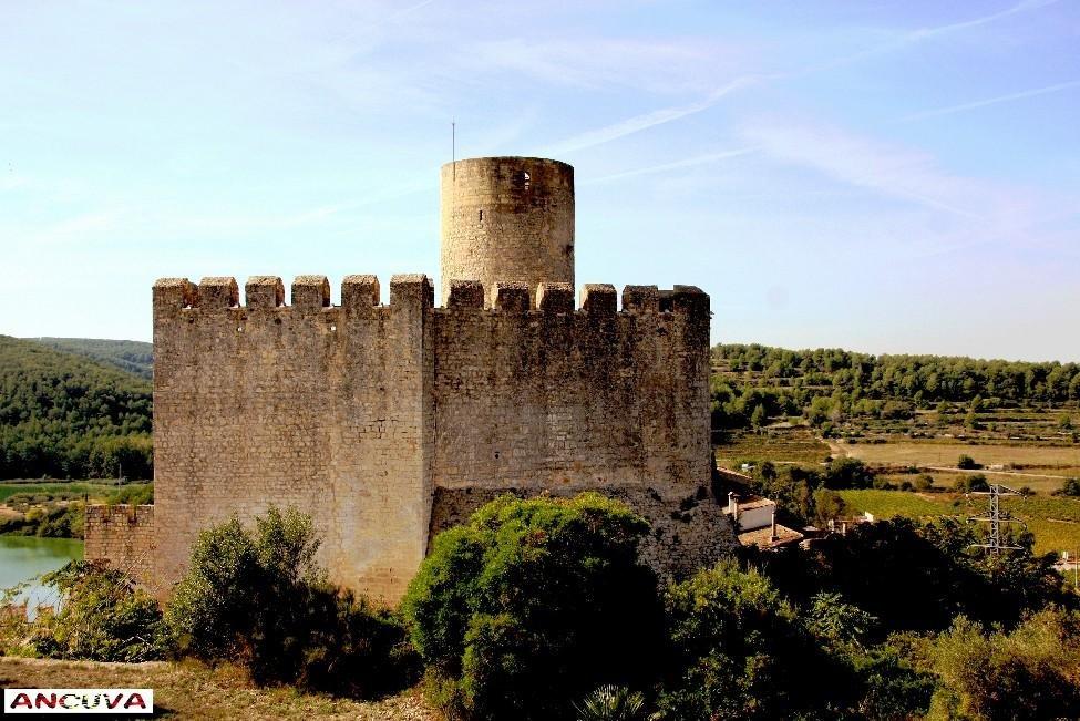 castillo (Antonio Cuenca.   vaya)