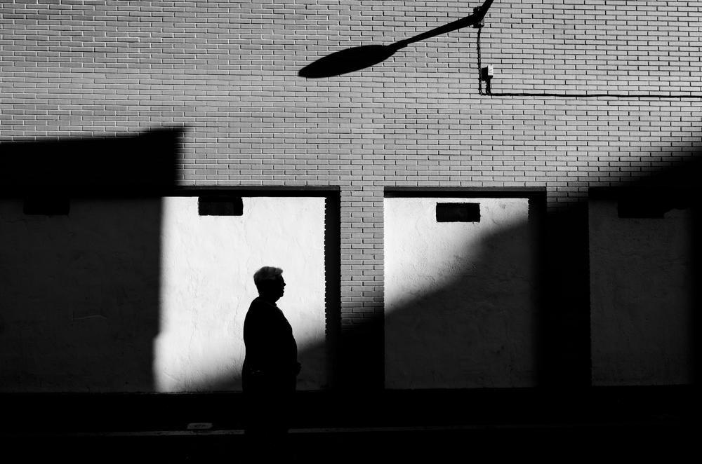 Claro oscuro callejero (Abrahan Manuel Francisco)