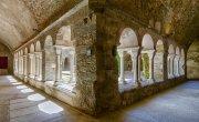 Claustro monasterio de Rodes