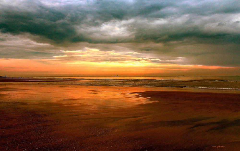 Dorado atardecer en el Mar del Norte (Lola Gutiérrez)