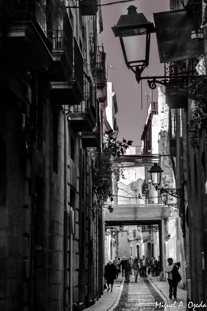 Entre calles (Miguel Ojeda Usillos)