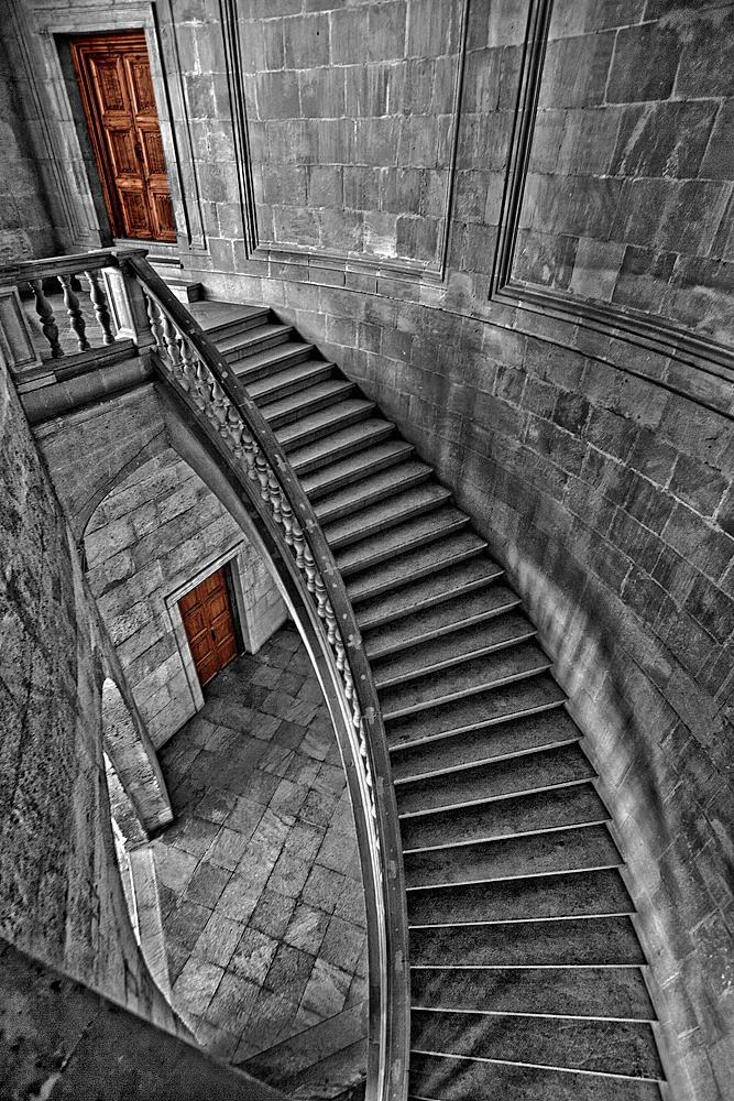 Escaleras y puertas (Salvador Solé Soriano)