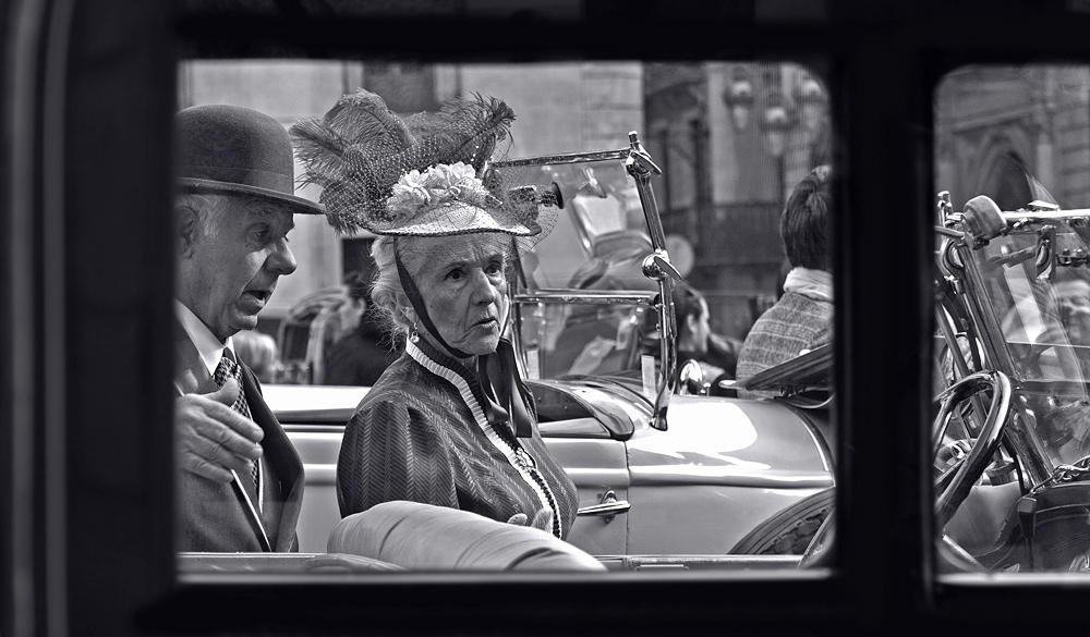 Gente retro (Salvador Solé Soriano)