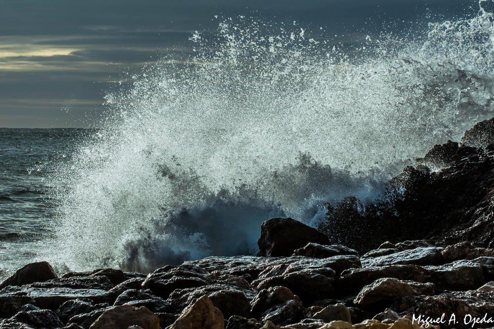 Golpe de mar (Miguel Ojeda Usillos)