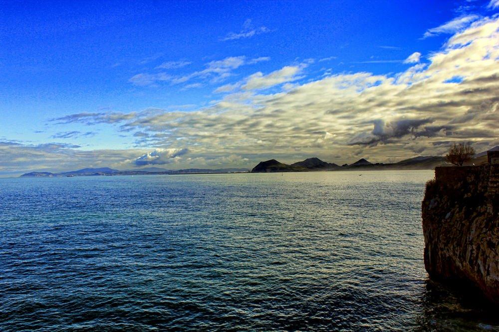 La costa cantábrica desde Castro (Argiñe Alonso Careaga)
