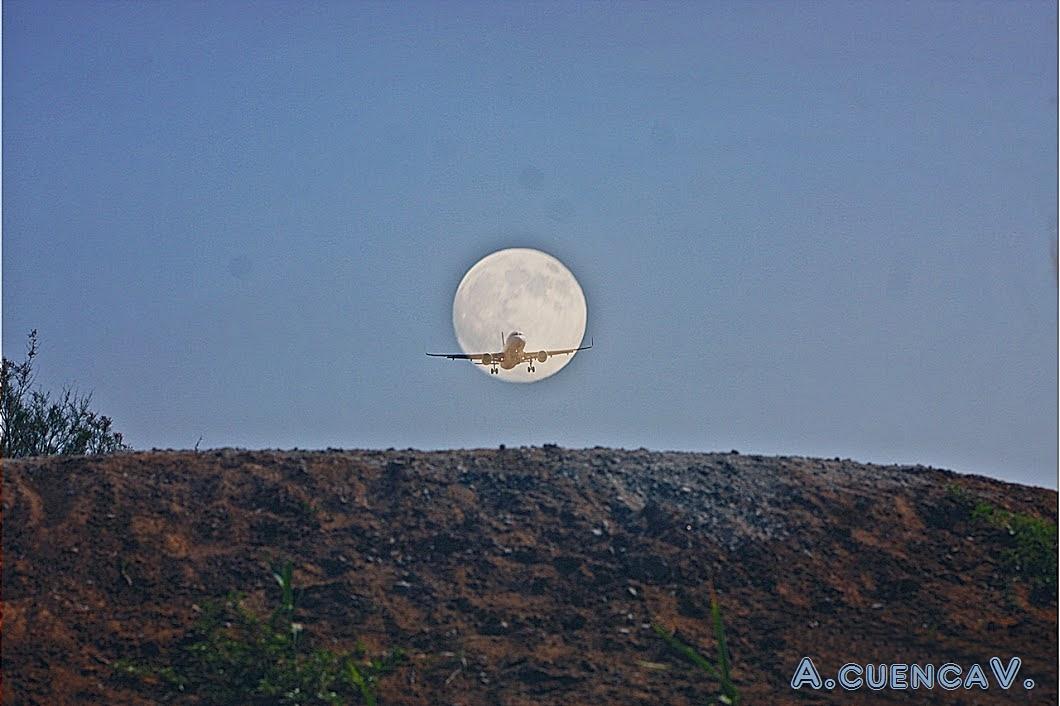 luna con.............. . (Antonio Cuenca.   vaya)