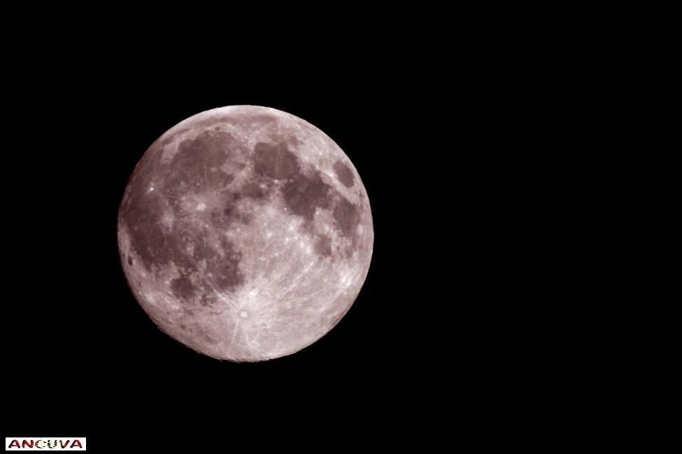 luna gigante, (Antonio Cuenca.   vaya)