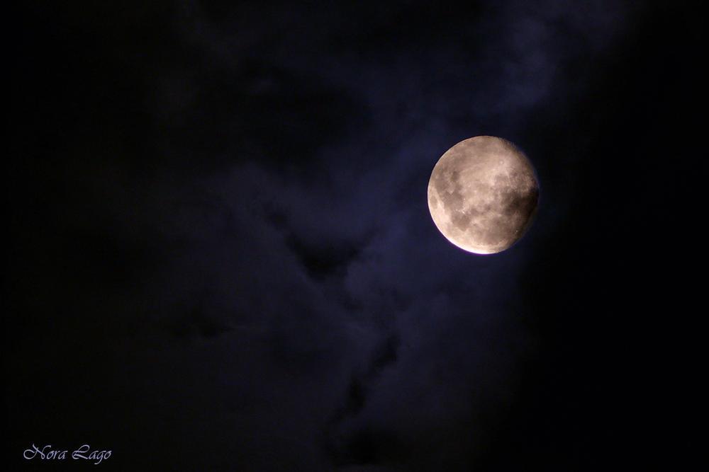 Luna que anuncia lluvia (Norma   Betty Lago)