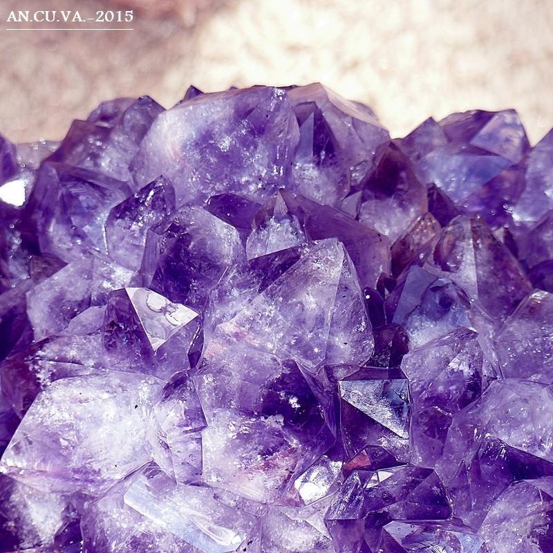 mineral. (Antonio Cuenca.   vaya)