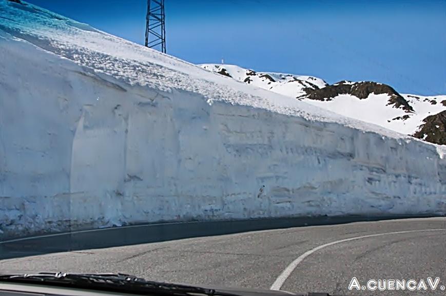 muro blanco. (Antonio Cuenca.   vaya)