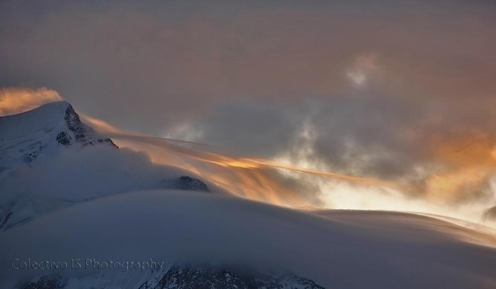 Nieblas alpinas al amanecer (Txema Bacaicoa (Colectivo IS))