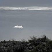 Nube y hierba