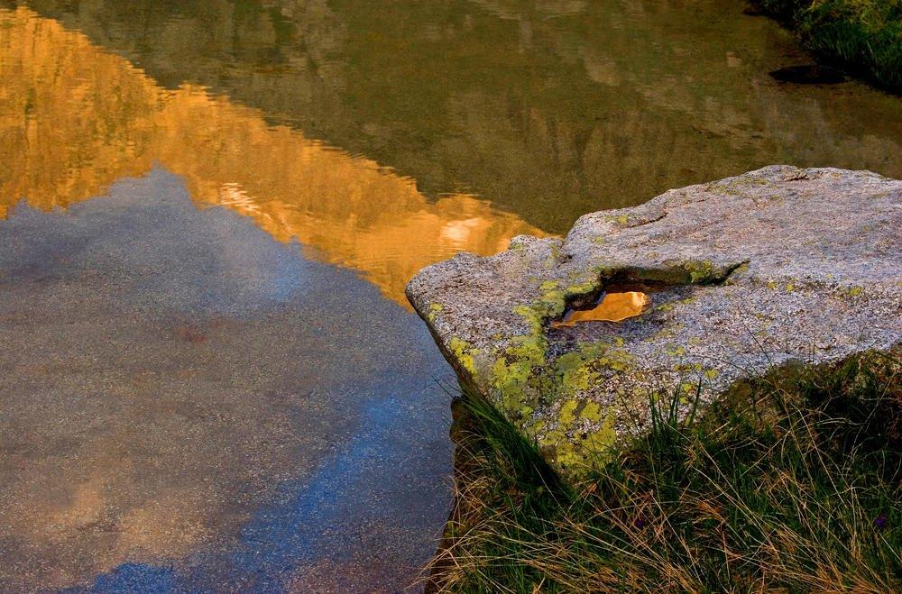 Oro en roca. (Salvador Solé Soriano)