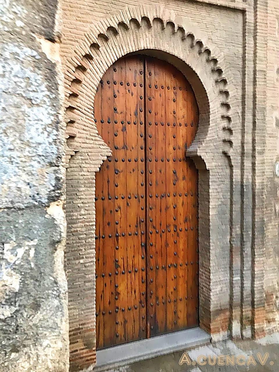 puerta. (Antonio Cuenca.   vaya)