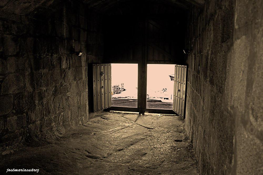 Puertas abiertas (José-María Suárez Domingo)