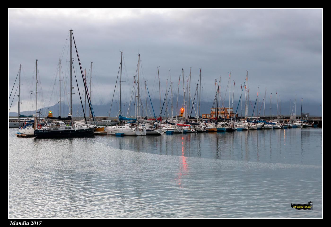 Puerto deportivo al atardecer (Fede Rosillo)