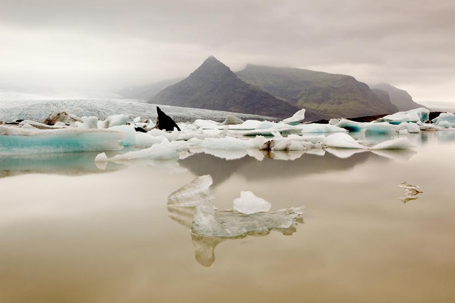 Tranquilidad junto al glaciar. Islandia (david Pérez Hens)