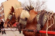 tres tombs.